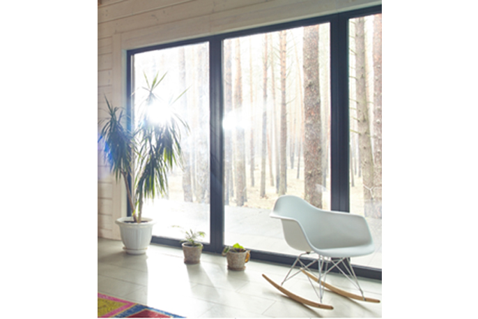 最近では省エネ対策の一つとして内窓の設置や二重ガラスのご依頼も増えております。