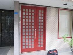 横浜市 港北区 採風窓付き 玄関ドア交換・面格子取付  ☆Y様邸サムネイル