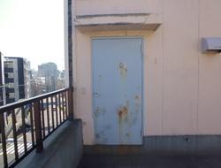 屋上ドア交換工事 ☆T様ビルサムネイル